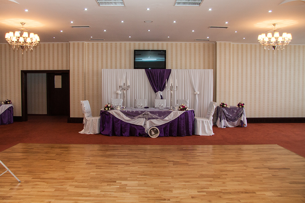 Sala pentru nunti, botezuri sau conferinte
